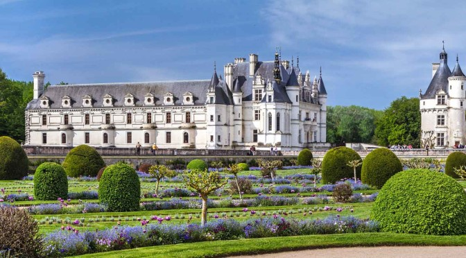 chateau-chenonceau-loire-valley-france